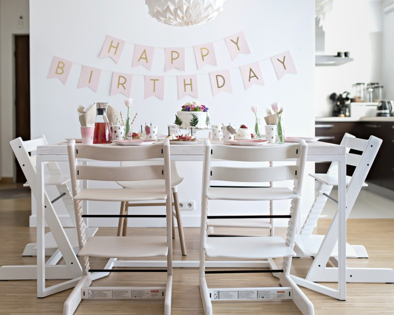 birthday party table setting