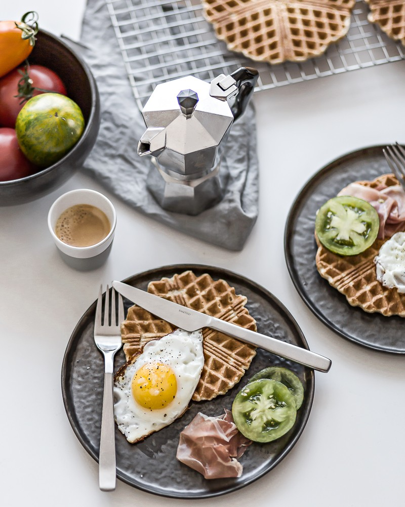 Breakfast waffles | www.my-full-house.com | Top Scandinavian Interior and Lifestyle Blog