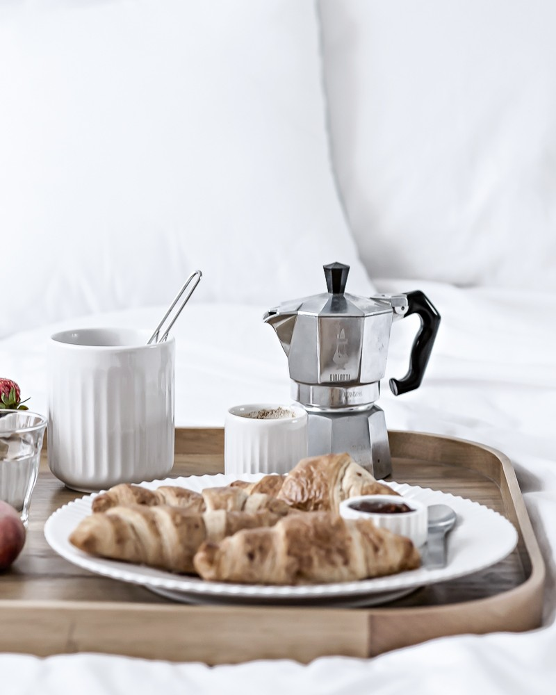 getting spoilt | weekend breakfast in bed | top scandinavian blog www.my-full-house.com