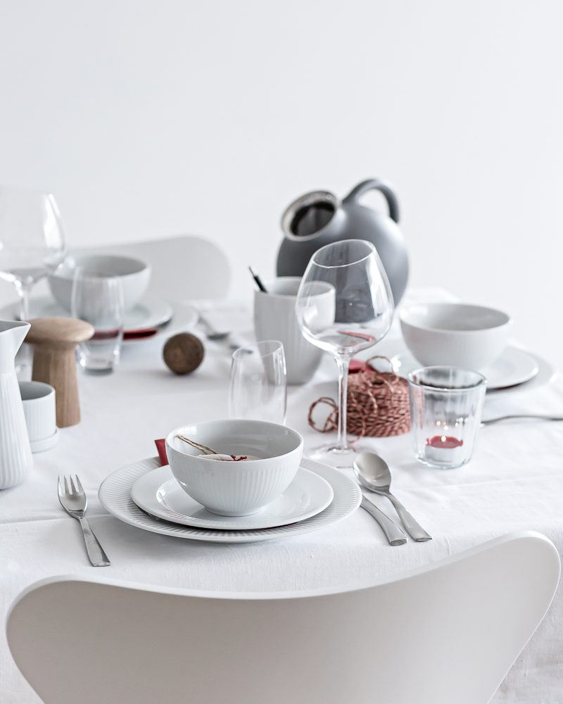 Red or Green? Holiday Tablesetting   www.my-full-house.com   Top Scandinavian Interior and Lifestyle Blog
