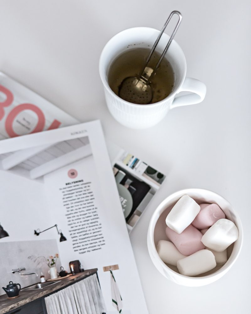 Tea, marshmallows and freesias | www.my-full-house.com