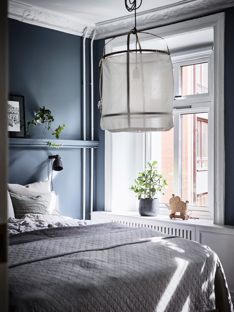 Cosy city apartment with blue bedroom | www.my-full-house.com | Top Scandinavian Interior Blog